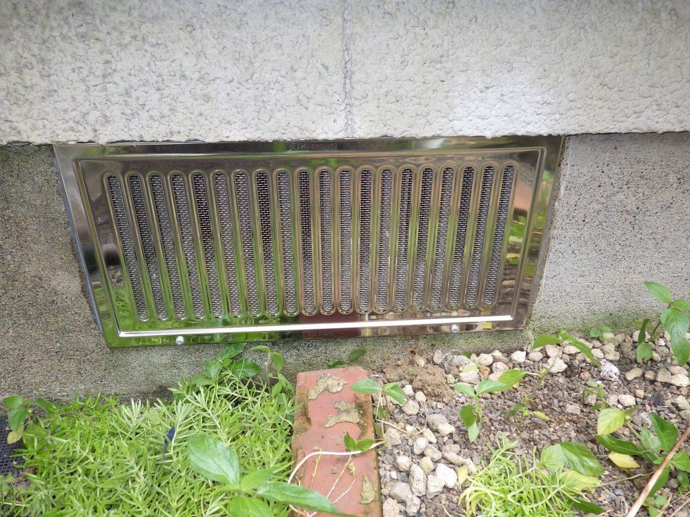 床下換気口の隙間対策